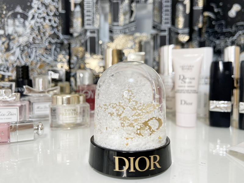 Diorスノードーム